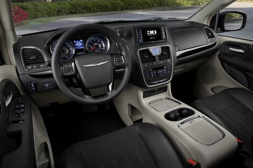 2014 Chrysler Town & Country for sale near St. Louis, MO